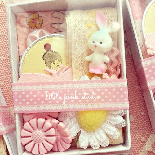 Pink yellow inspiration kit